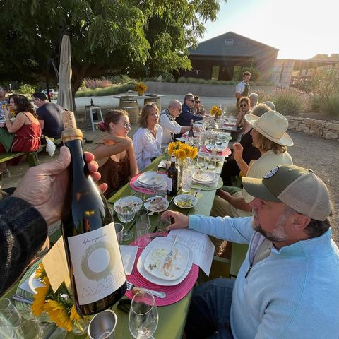 Thanks to everyone who came out to our first Summer Sunset Supper! It was a lovely evening filled with lovely people 🌻🍷🌻  Let's hear it for Chef Brian Reimer who helped us put this thing together and crafted some incredible dishes throughout the evening 👏🏼👏🏼👏🏼  Stay tuned for our next event in August!  #FarmToTable #SummerSupper #WineDinner #PasoWine #PasoRobles
